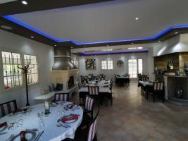 salle-restaurant-la-bastide-enchantee-1
