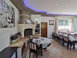 salle-restaurant-la-bastide-enchantee-4