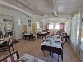 salle-restaurant-la-bastide-enchantee-5